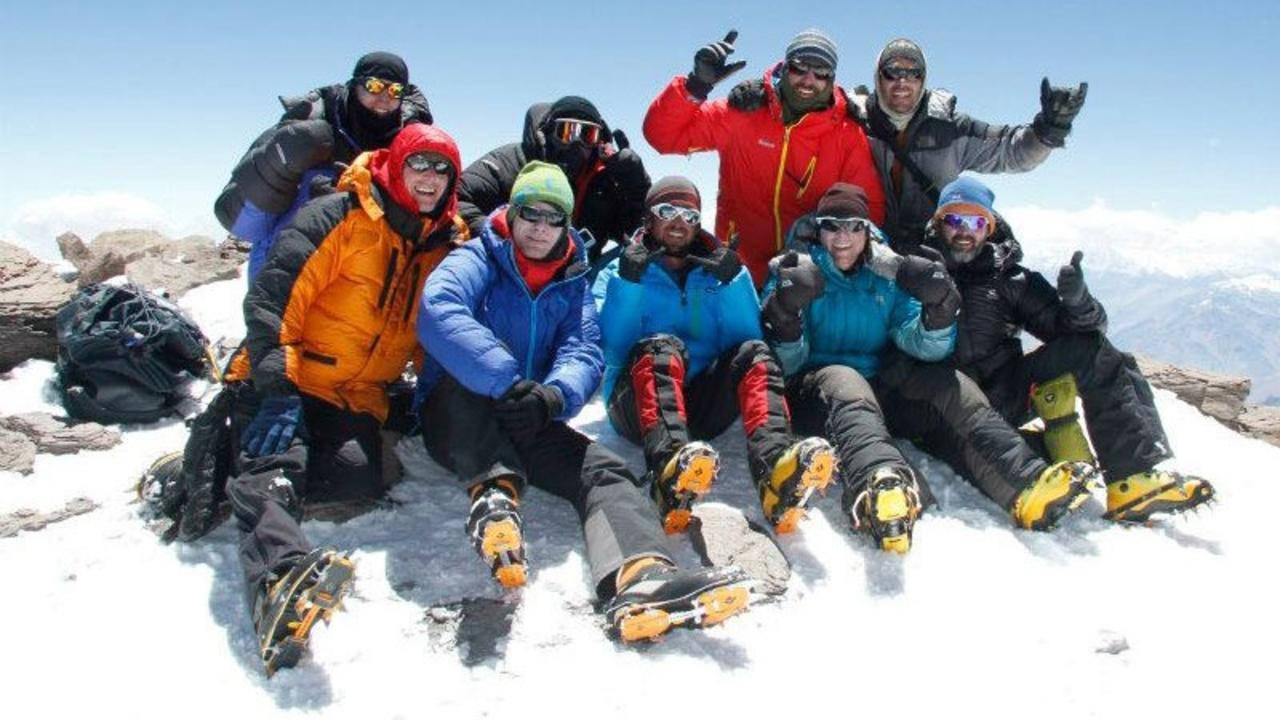Klnsxsvscwjc3jnklfak summit celebration group
