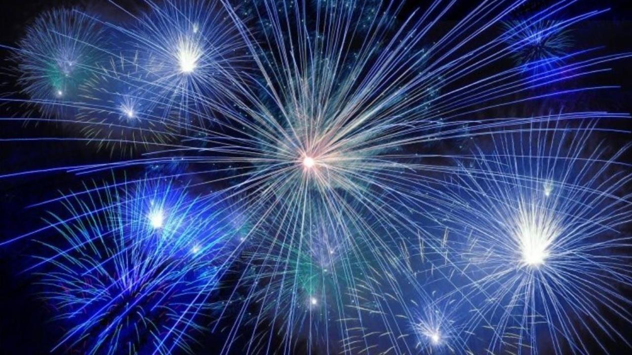 71zskplqractu14mr0rs bpzkqfgtlqjra7zozm8y fireworks blue