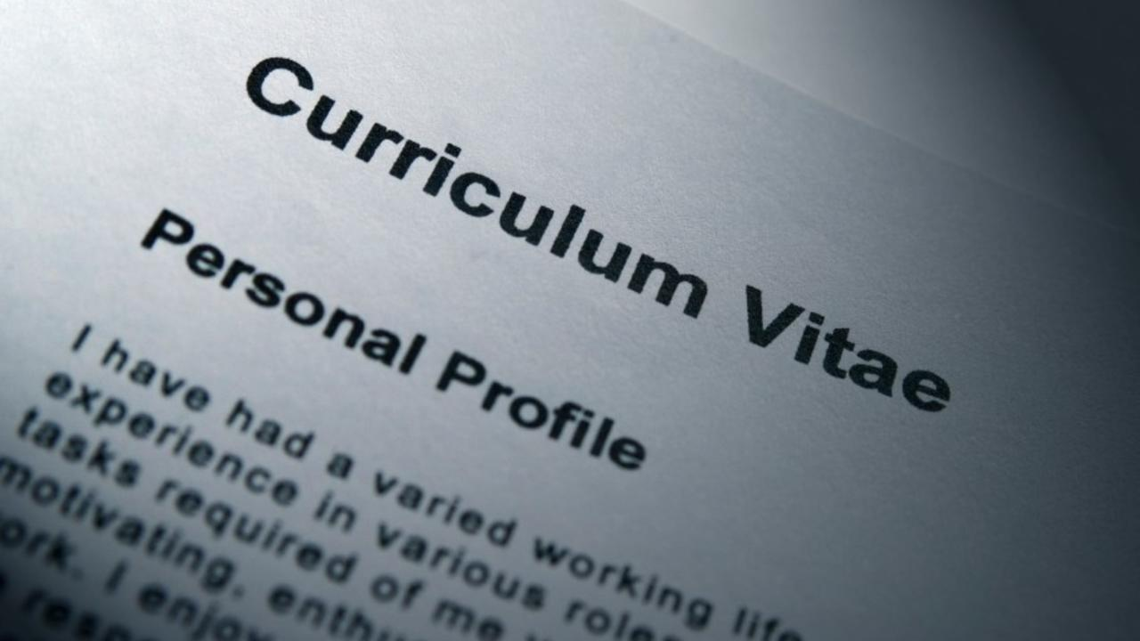 How to select a professional CV writing service?