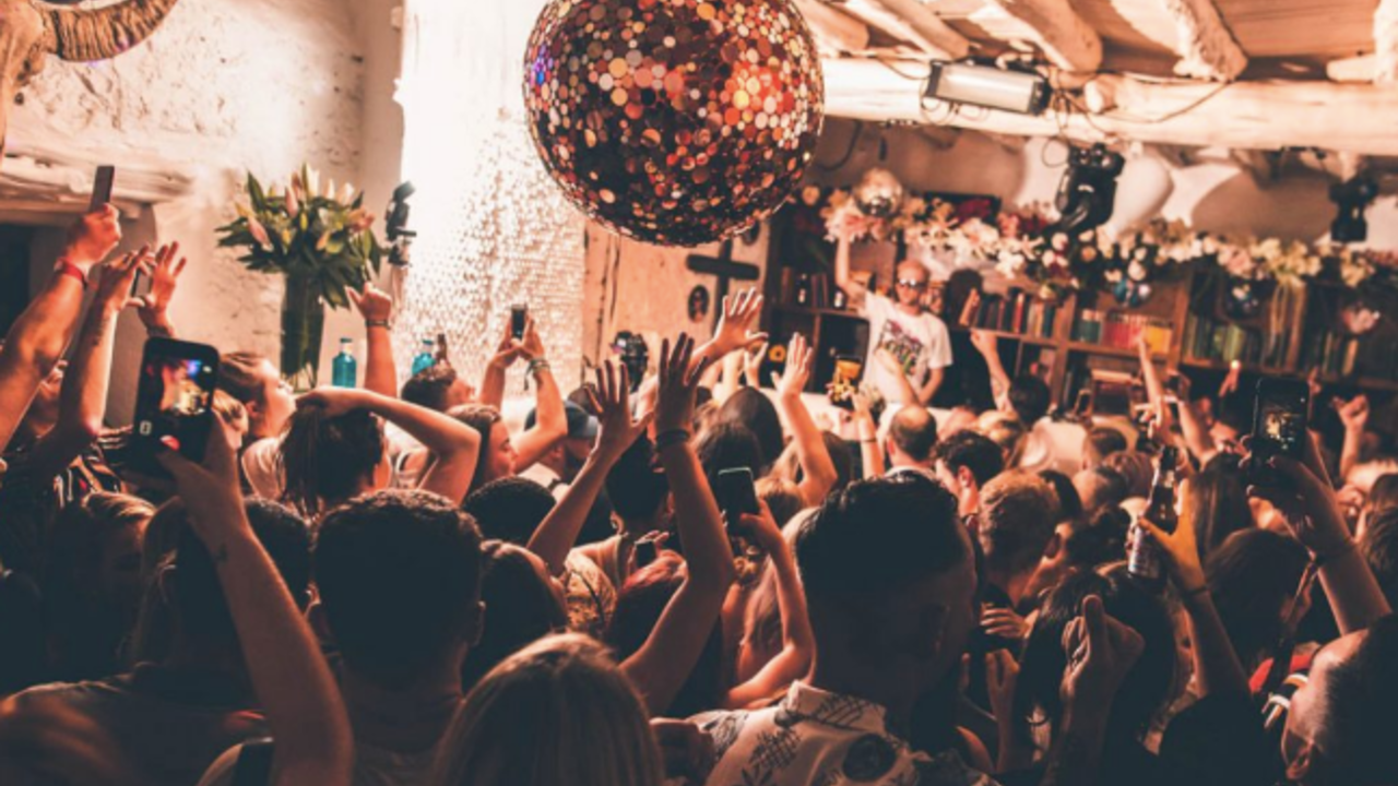 Pikes Ibiza, Freddies, The most popular venue in Ibiza.