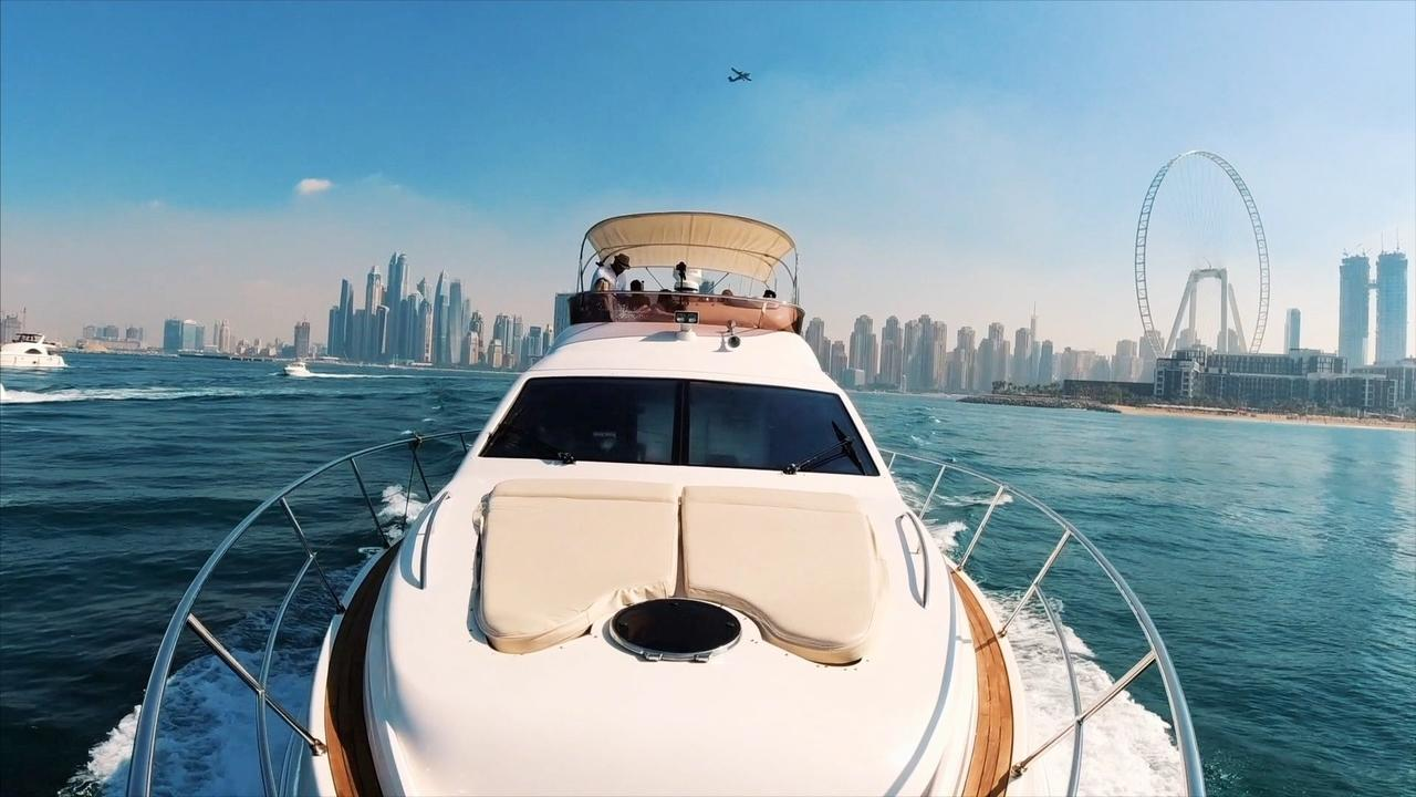 Ondra Vodný hraje v Dubaji pro Neptune Yachts Dubai během Formule 1 víkendu