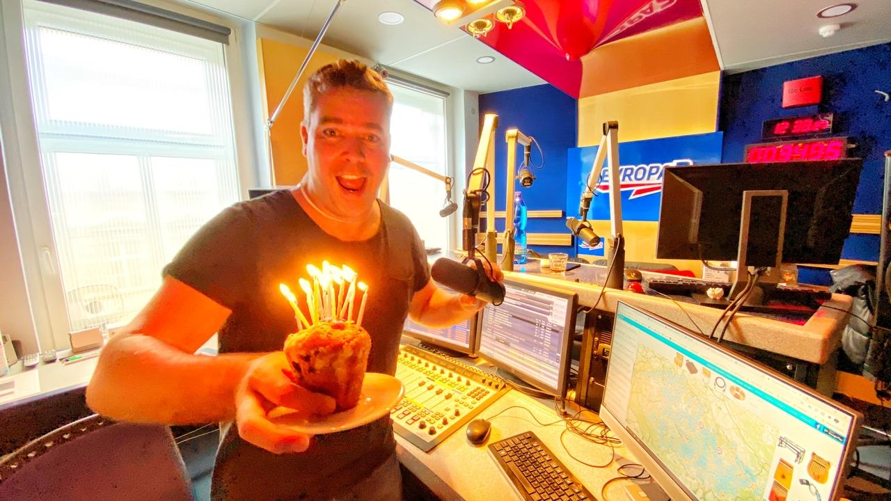 Ondra Vodný slaví 15 let na rádiu Evropa 2