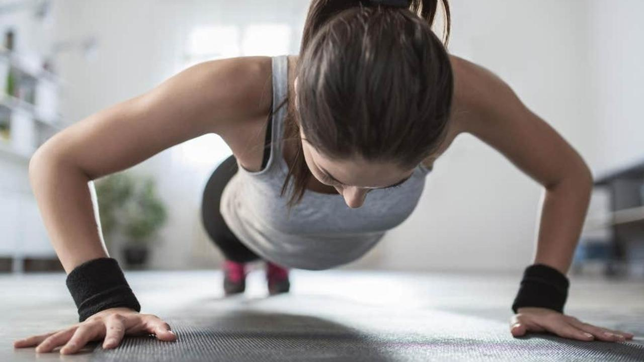 7 Boxing Workouts At Home Without Equipment