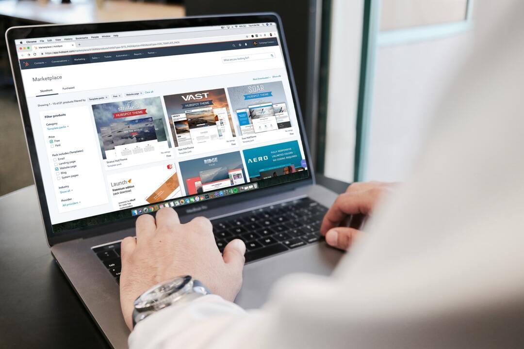 Computadora con tienda online