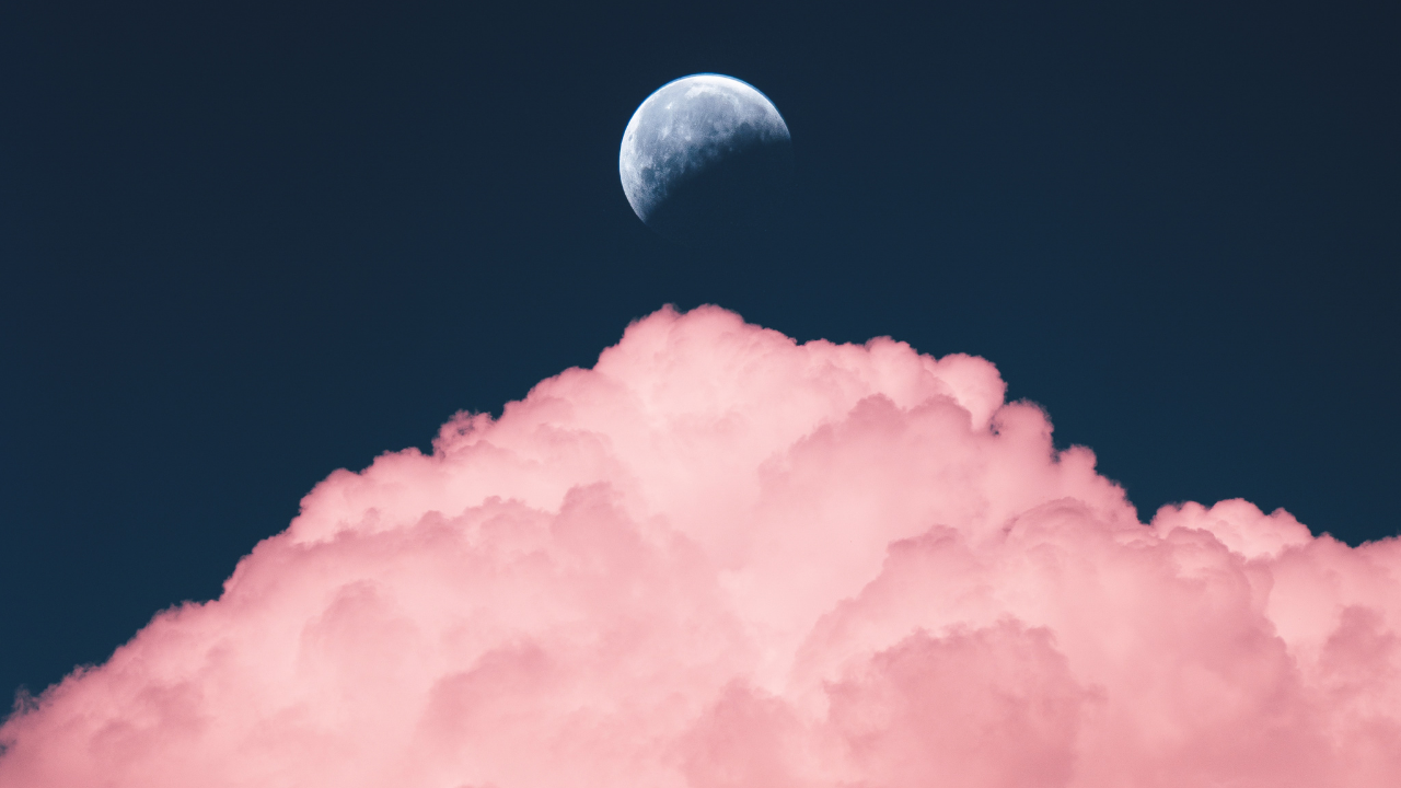 THE CONNECTION BETWEEN THE MENSTRUAL CYCLE AND THE MOON
