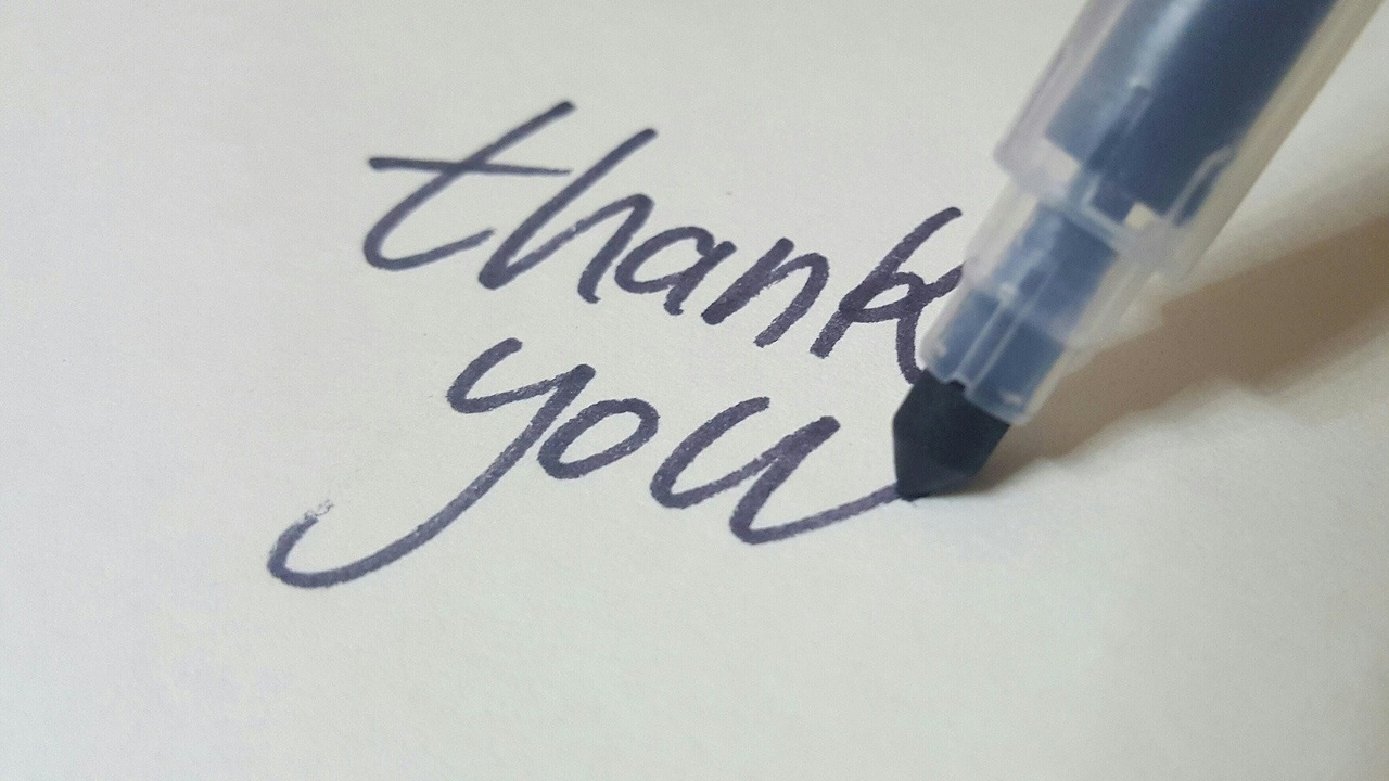 Writing a thank you note as a way of practicing gratitude