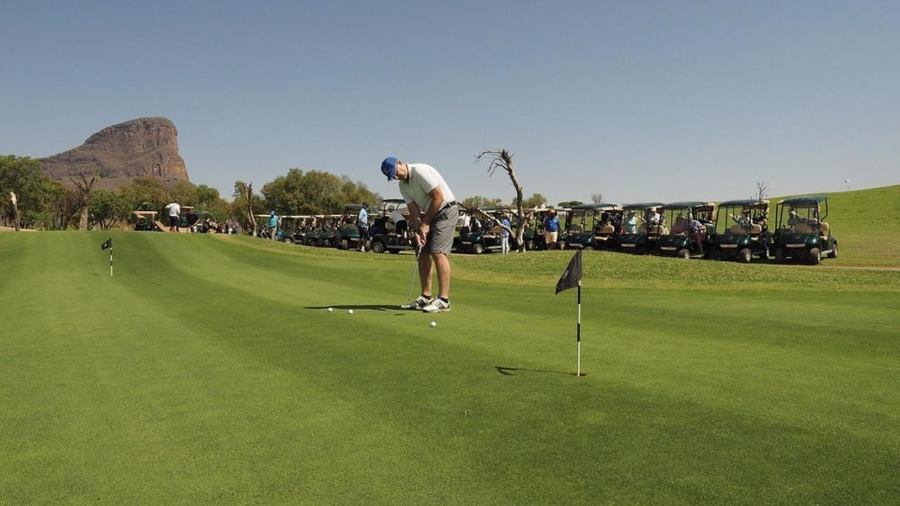 5 Reasons Golfers Play In A Golf Tournament