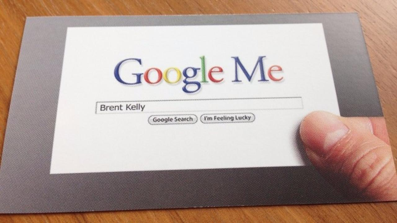 Do I Still Need to Carry Business Cards to Networking Events?