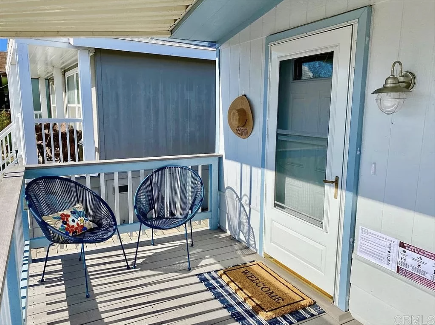 home staging color consultation on mobile home transformation