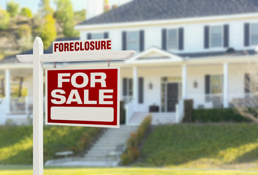 can you lowball a foreclosure