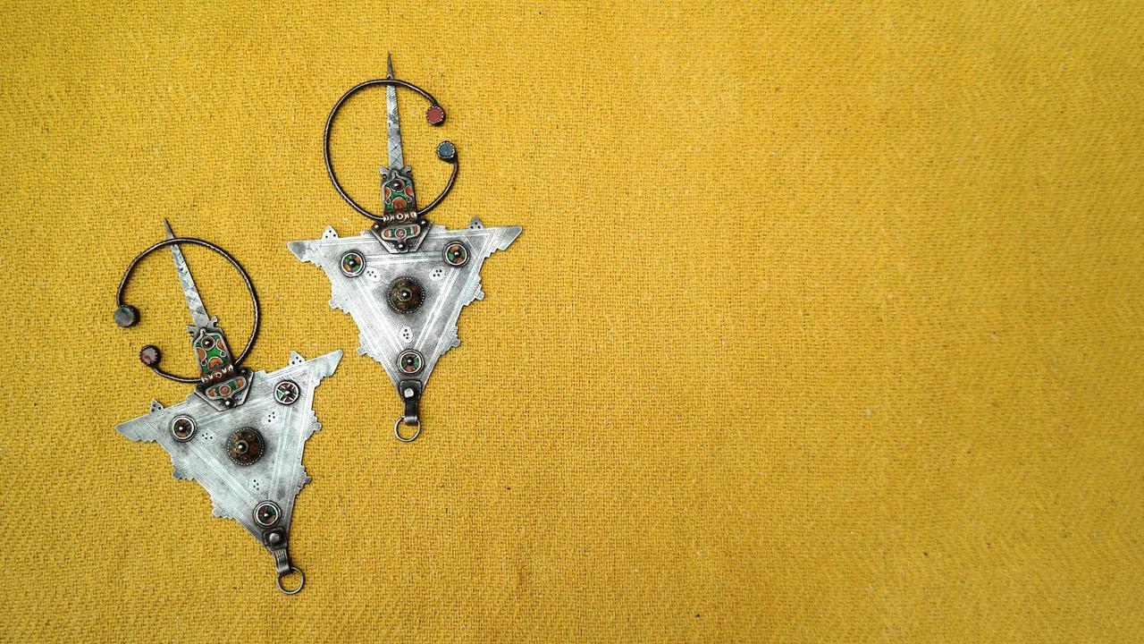 Uuex84c6tik1z3phcbhd berber brooche moroccan henna art by hand of fatima
