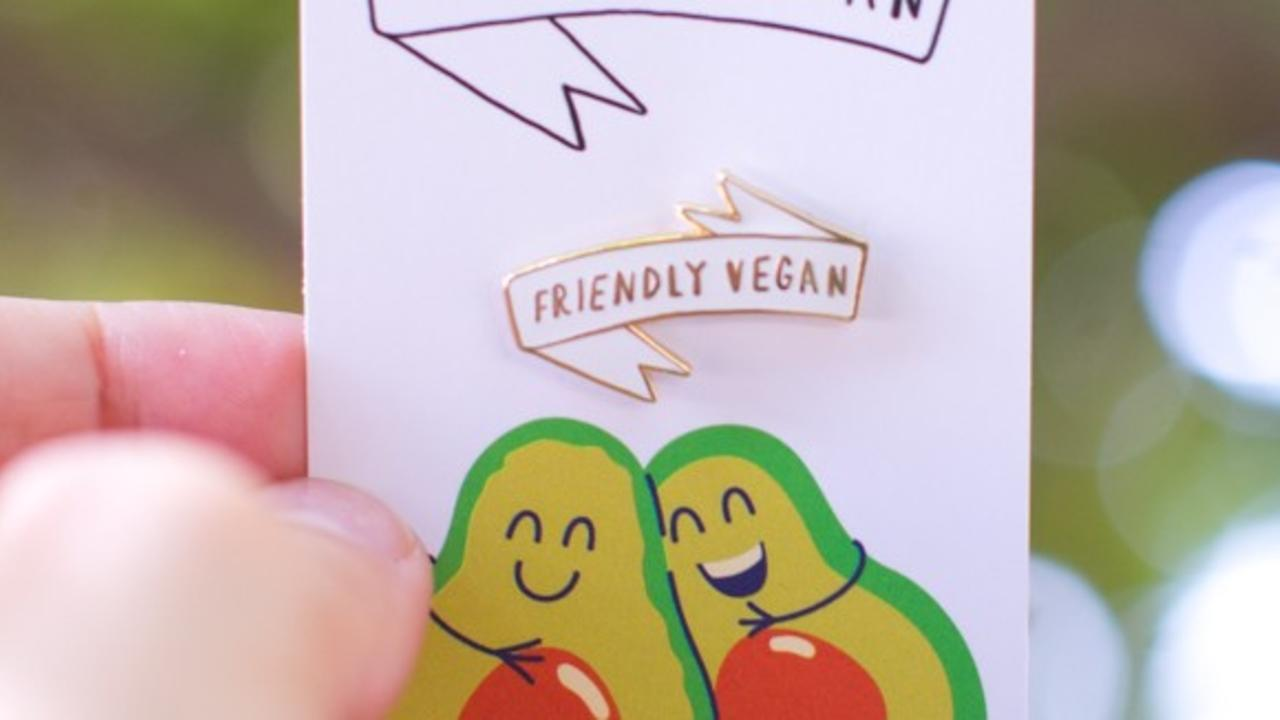 U9lplsrsrlyzwc8we90c the friendly vegan cookbook merch photos 31