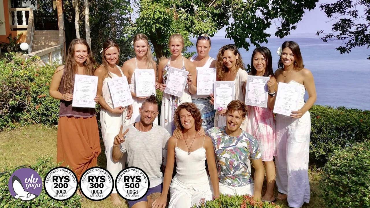 Jwqqfsvatglwcdprxoov graduation 300hr purple logo small