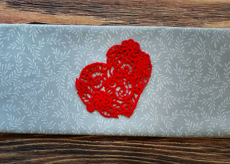freestanding lace heart freebie