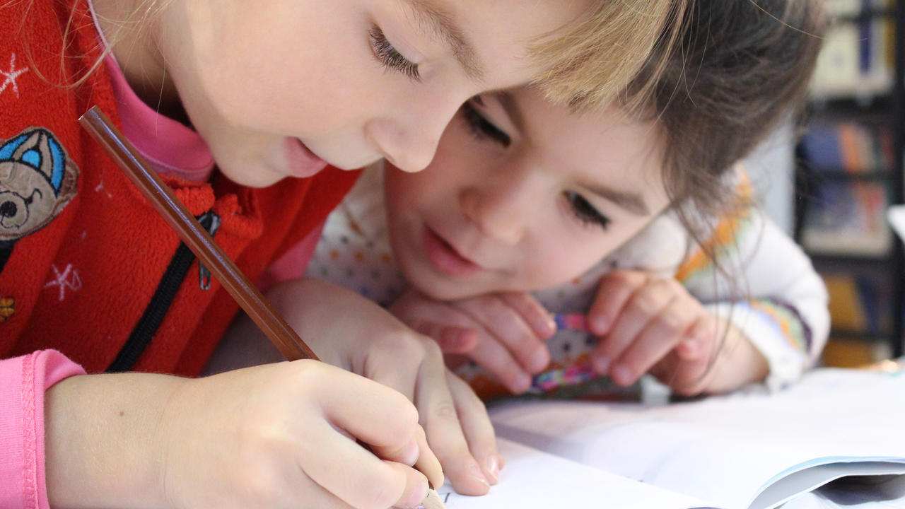 Wfmgfzss1ncidlud0o5a kids girl pencil drawing 159823