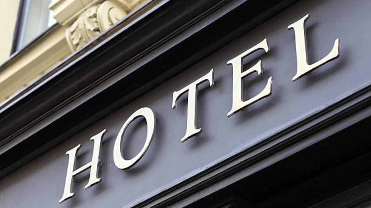 Cj5mmmztq24qnshewbbs etched hotel