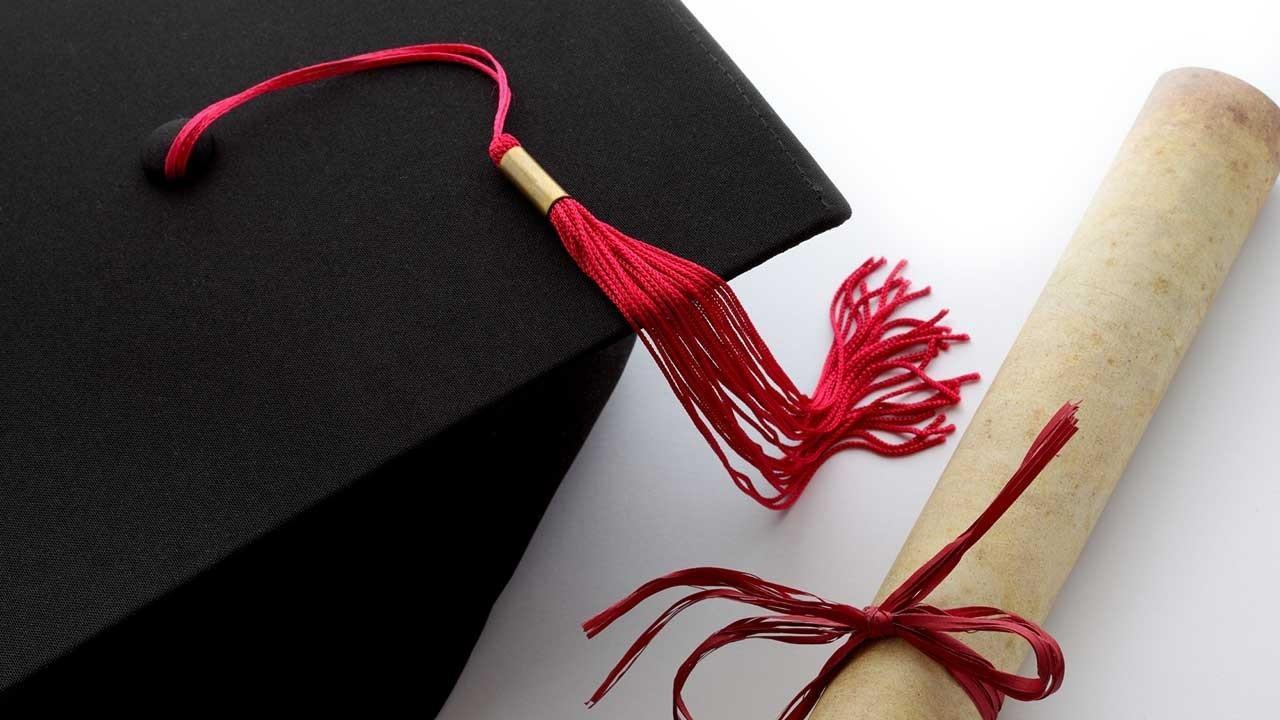 Kd4wzhmatbgwawxxgtdw grad cap diploma web