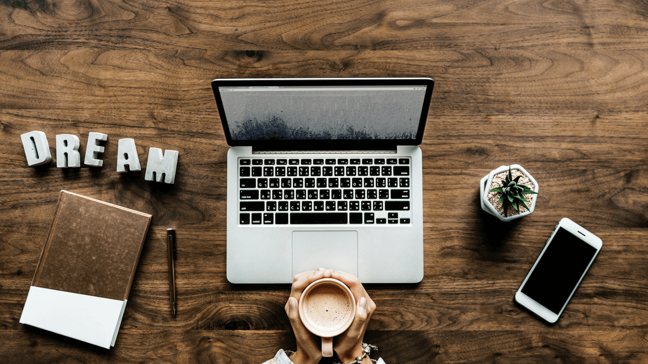 Zhsnysa4tuyyizjpqqgk hands holding coffee cup laptop on desk