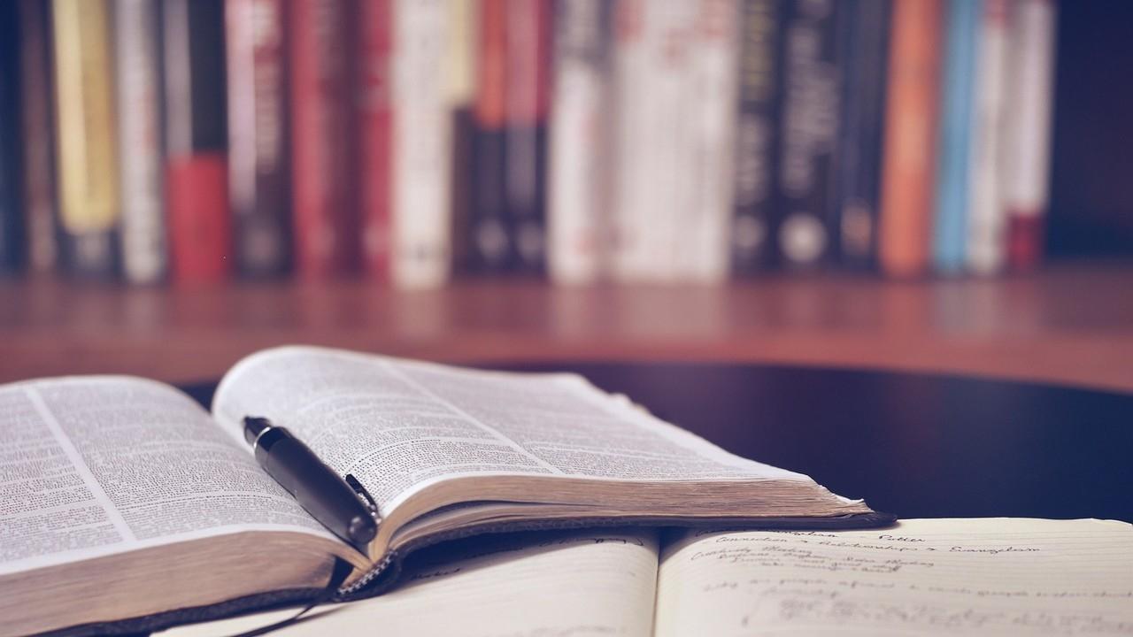 Sd9h7iaqkidq0yyaixoy open book 1428428 1280