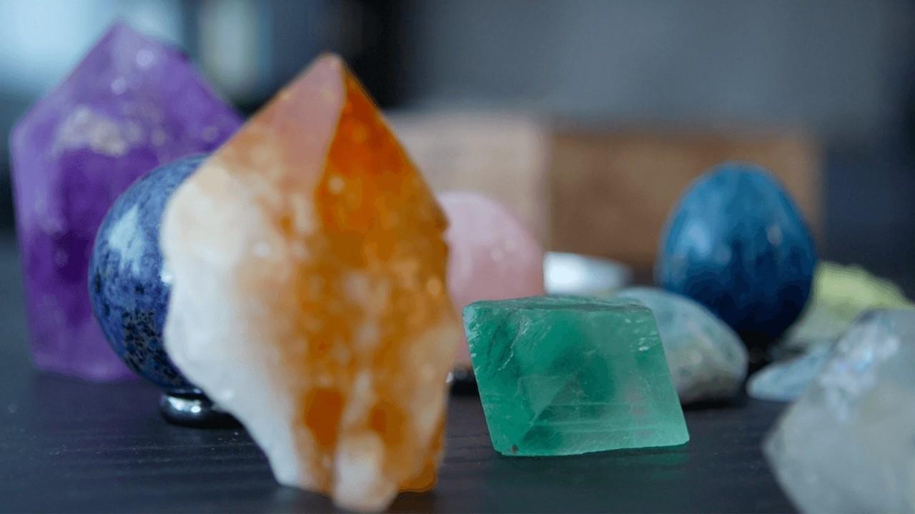 Jbffgayptasnz19ta3oi crystals chakras course thumbnail copy