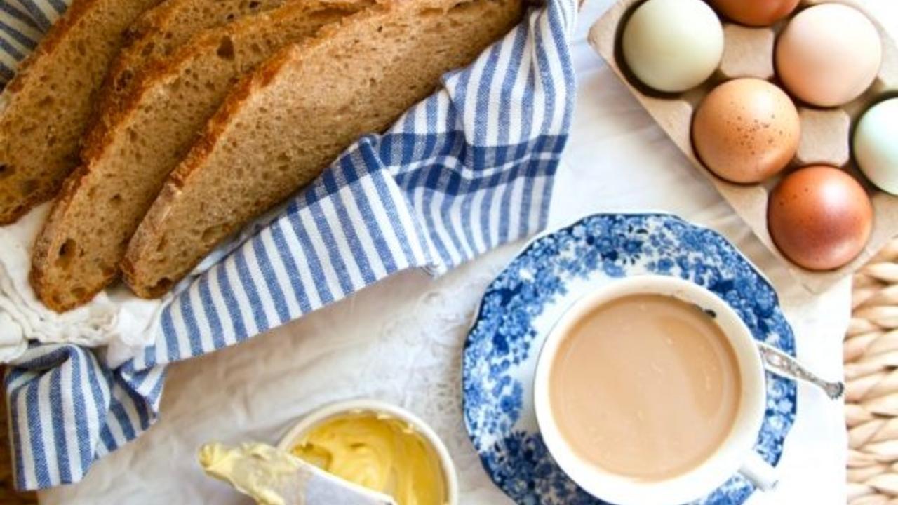Qqmih0zsnq0wnxfxkfcp bread and tea