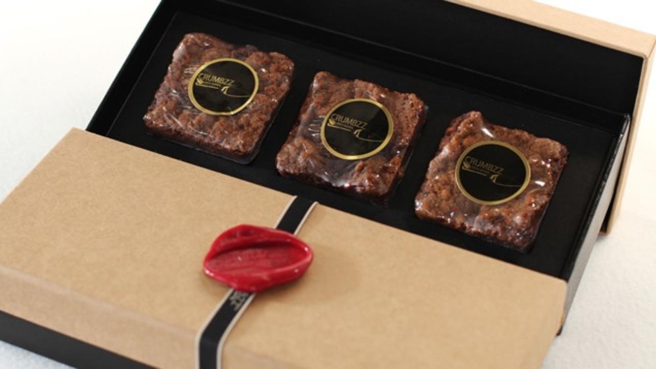Sryba37tiio1d3kkjvrw mini crumb cake in packaging