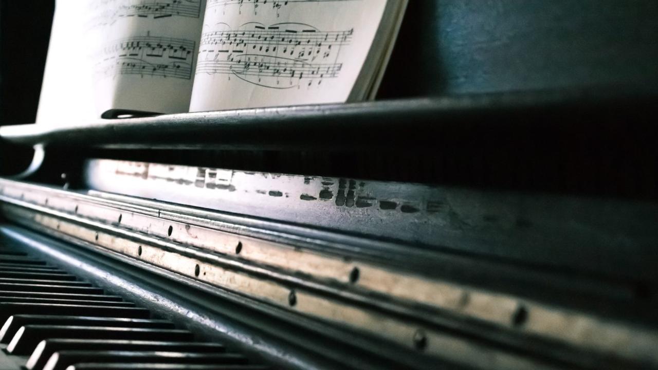 Vrdvigubqmmqmqqvy9zz checkout hymns