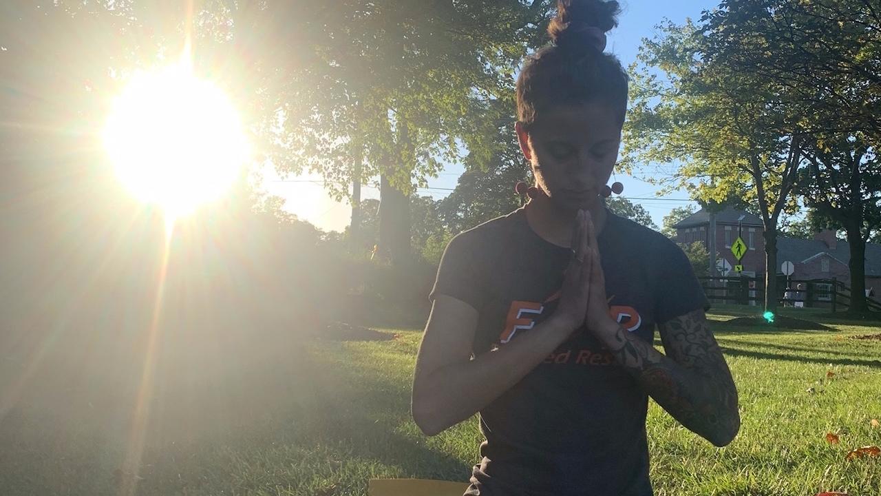 E6u5c3l3spivrlsgdilo focused reults yoga