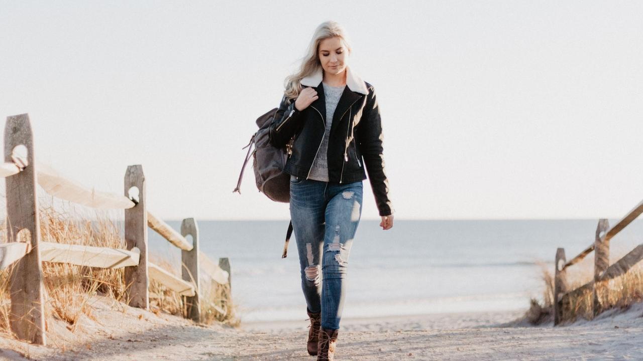 Mnt0zmtpckivvb1yzieq woman wearing jeans empress avenue talia davis pr