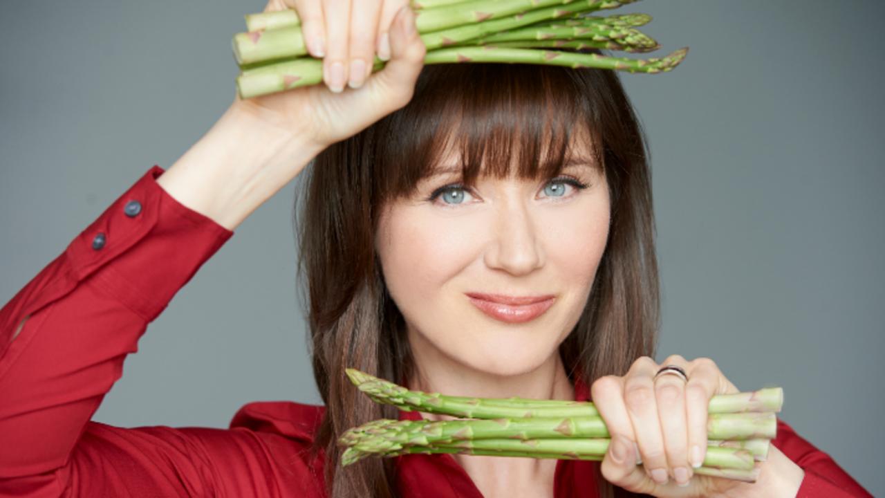 Vsvjvxnrut03laclb26w julie cheeky asparagus