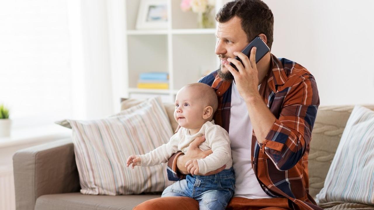 Jnmrmzbnqa62gxyuwuob bigstock family parenthood and people  210847153