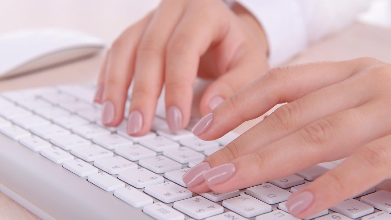 Sctxhlhytgkemssqmtei typing keyboard blogging computer