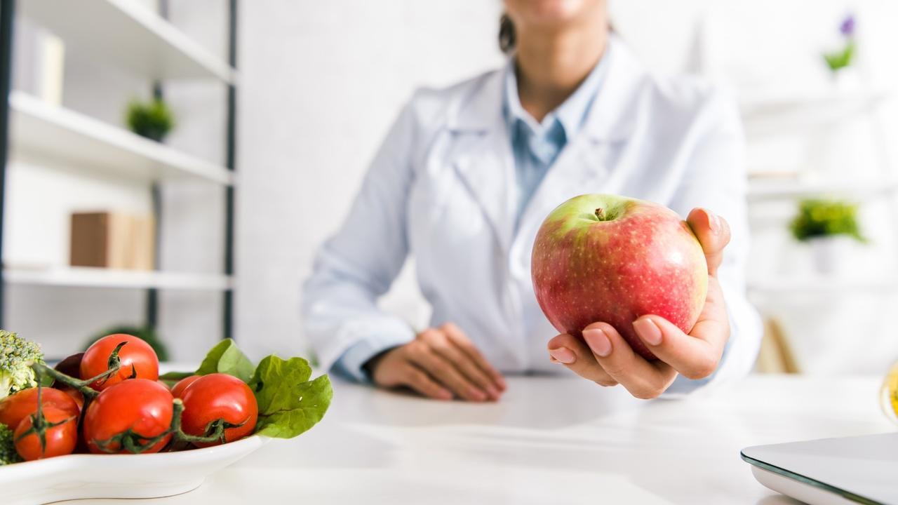 Xiw9fr1rtmgs1uzeuwos nutritionist apple health