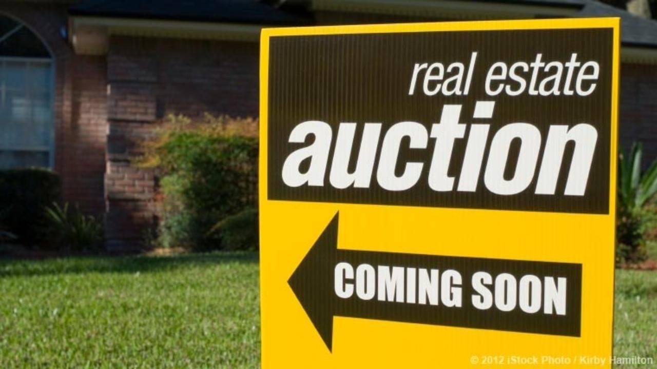 Goikh19ytywoxufiml1z m3sbo2xwtrcjvltdorjj tyuoq3nprswry2vu5nth real estate auction sign