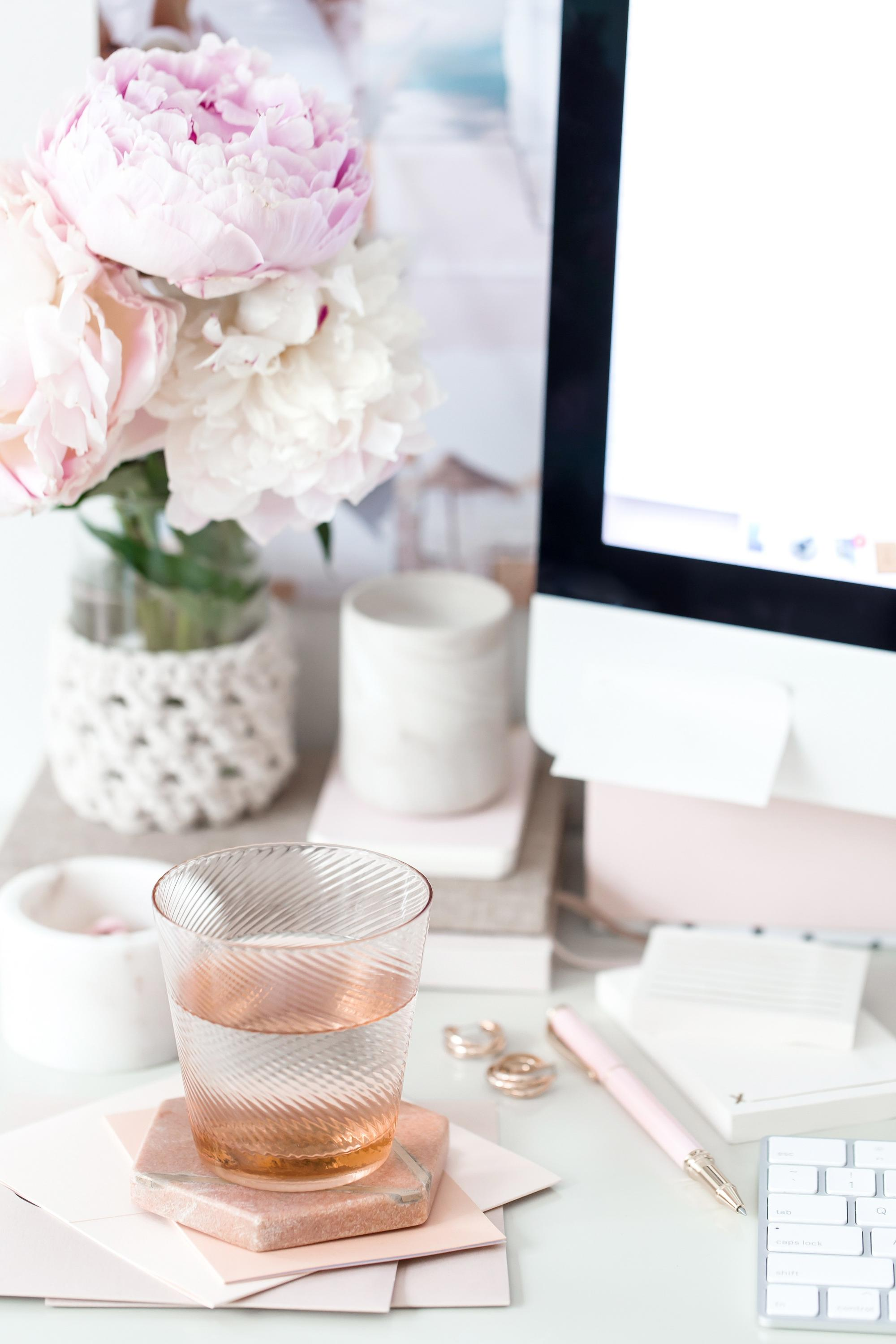 ARE YOU STRESSING OVER EVERY LITTLE TO-DO AND HOW-TO?