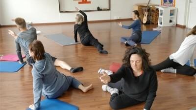 Floorwork. Movingness teacher training