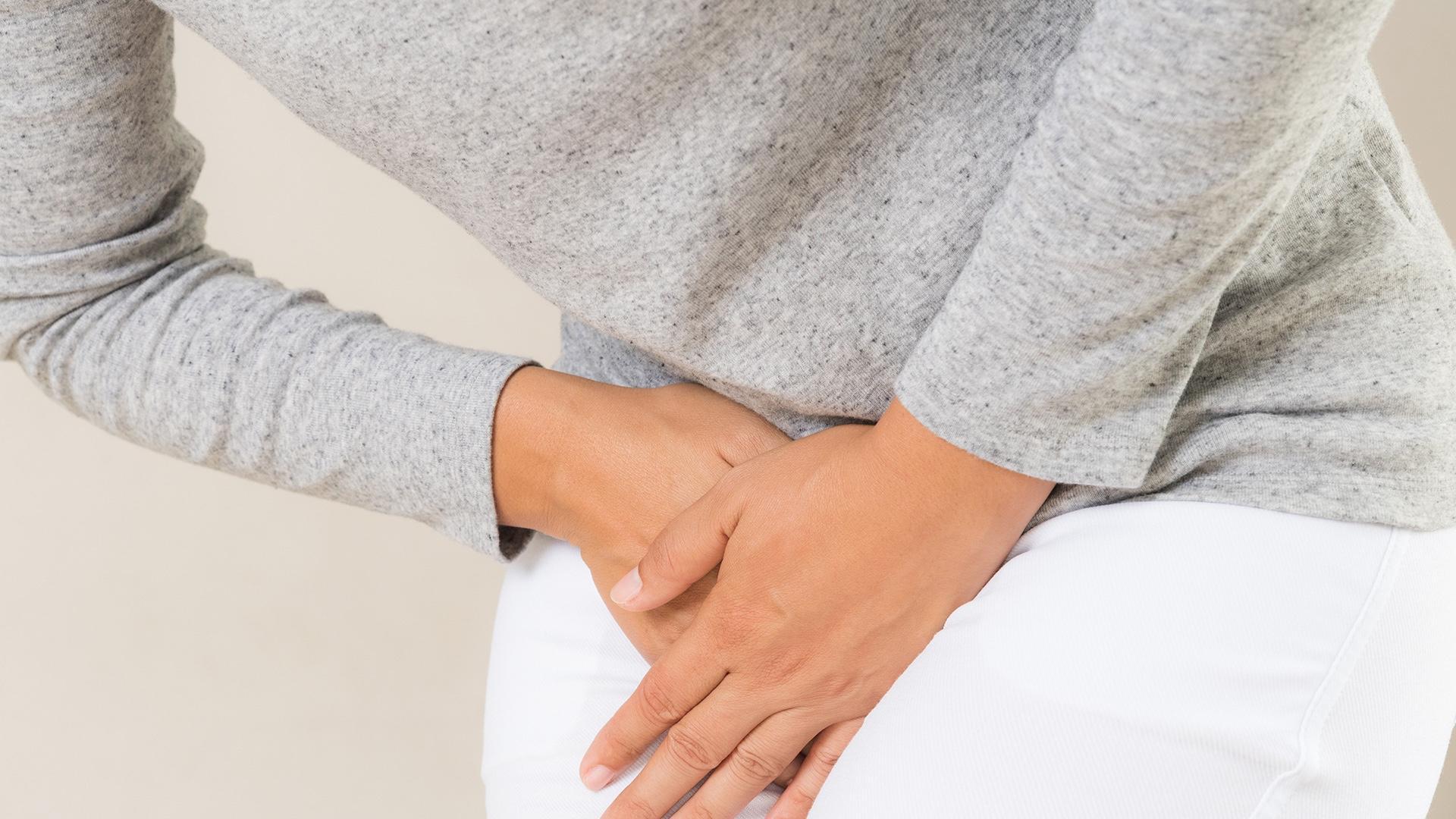 La douleur liée à l'arthrose de la hanche est située dans le pli de l'aine