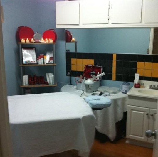 My first treatment room in 2009 located inside HairPlaay Studio in Los Angeles, CA