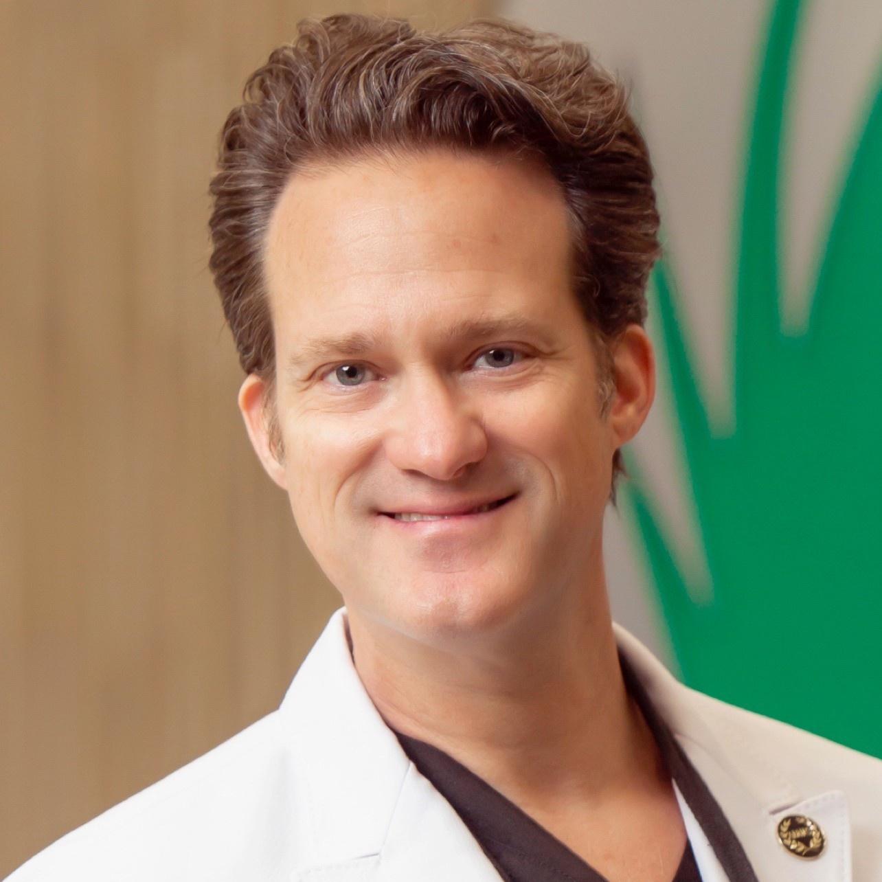 Dr Alan Bauman