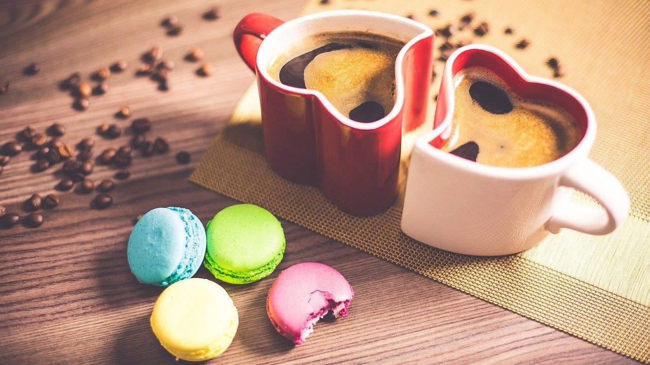 Coffee and macaroons