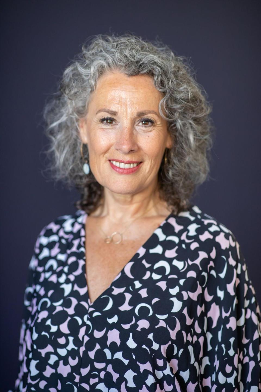 Nina Elshof, auteur Huis & Ziel, Master in Conceptual Feng Shui en Nine Star Ki,