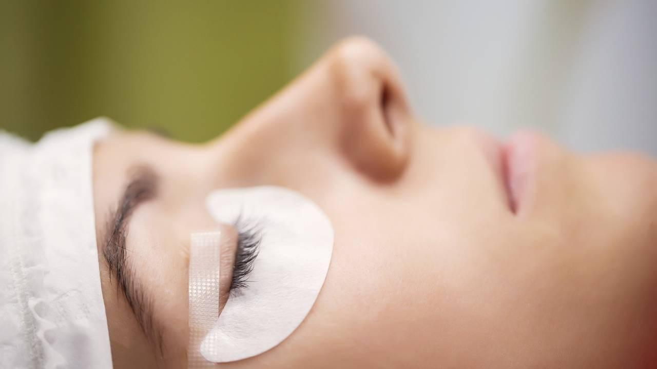 Eyelash Extension Training | Get Certified 100% Online ...