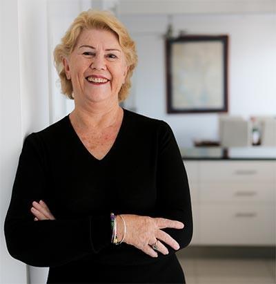 Dr Robyn Thompson Breastfeeding Consultant
