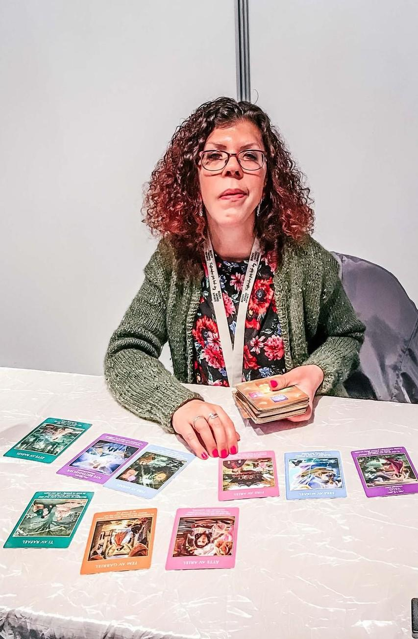 Linn Kleppa på alternativmessen i Lillestrøm (Body Mind Spirit festivalen) 2019. Tarotreading.