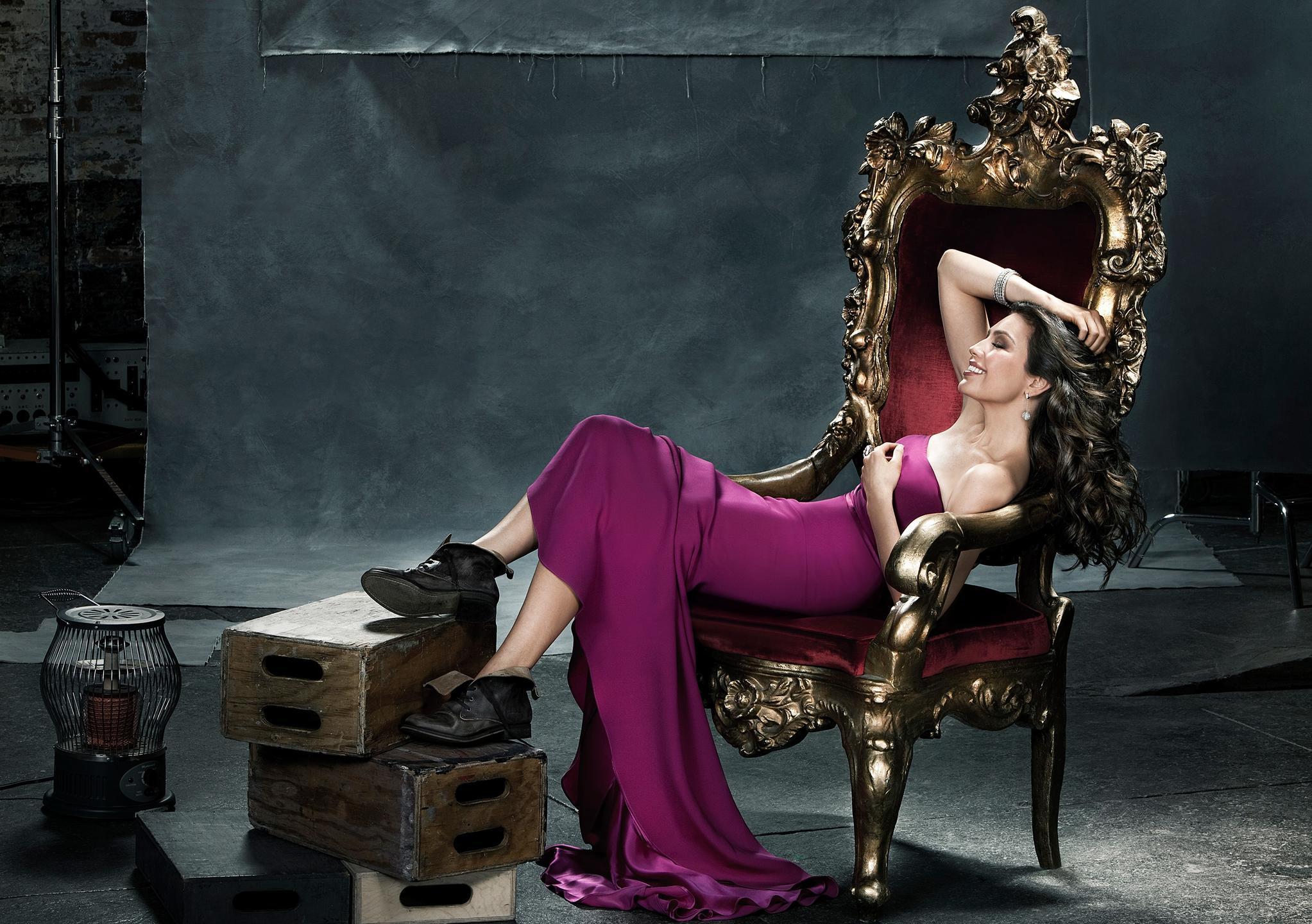 Thalia en People en Español
