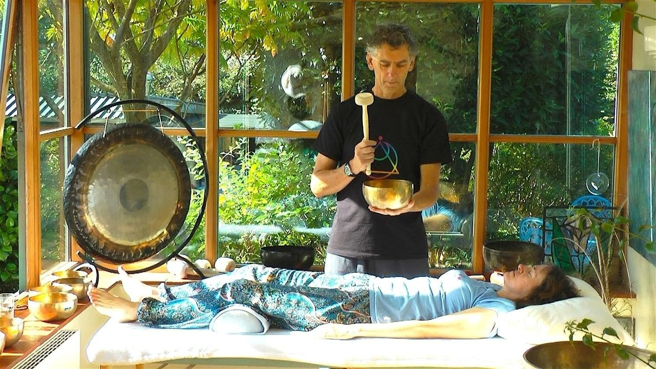 Short Sound Healing Course: De-stress and Relax with Tibetan Singing Bowls