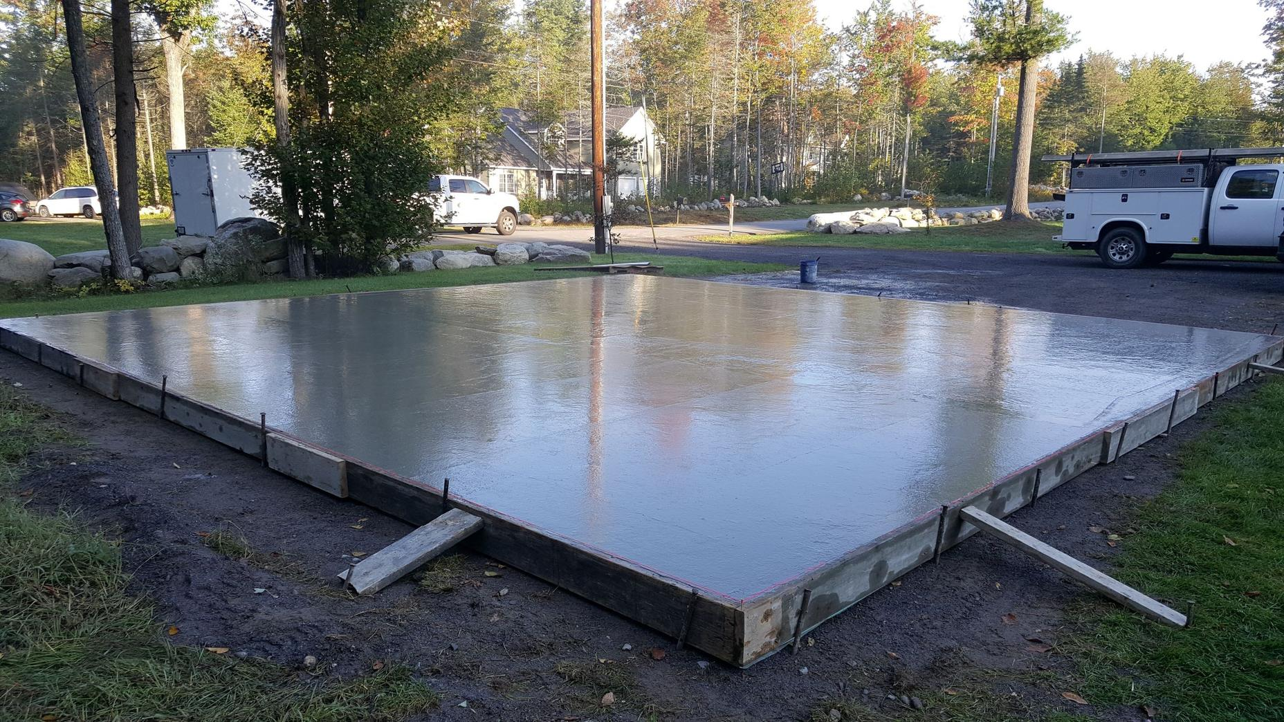 How to form and pour a concrete slab