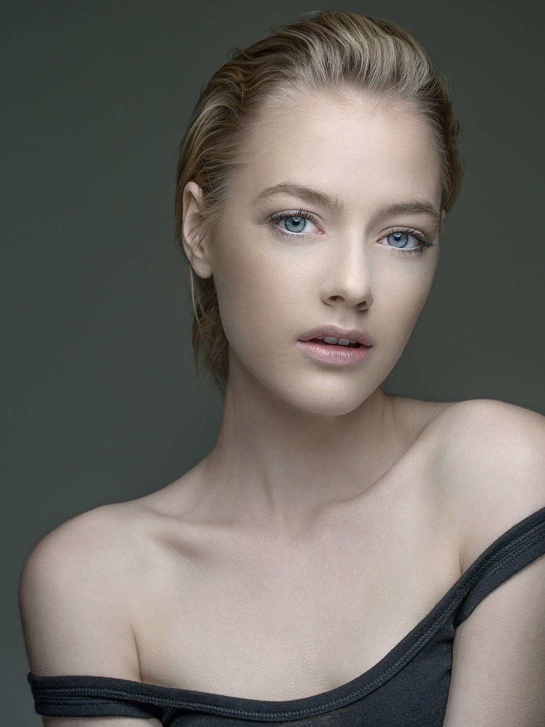 Cosmetics And Makeup: Beauty Headshot